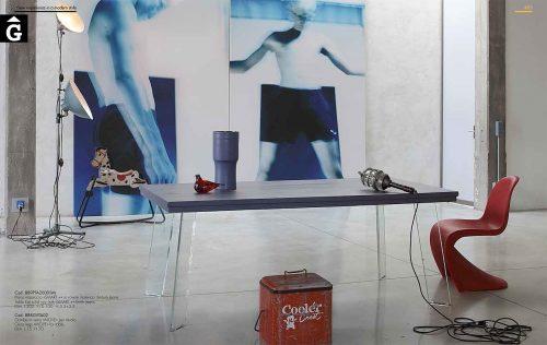 Smart-taula-roure-massis-potes-vidre-inclinades-by-mobles-Gifreu-disseny-qualitat-preu