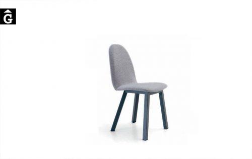 Cadira Pau 4 potes fusta quadrades Pure Designs mobles Gifreu