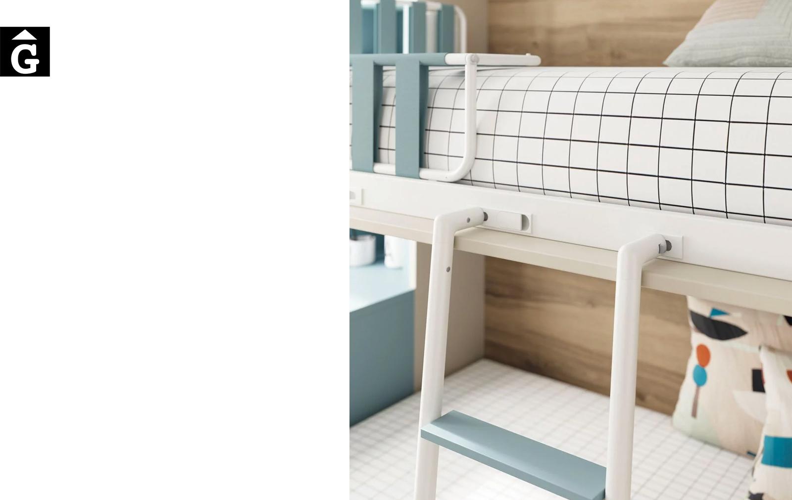Habitació juvenil arena i celeste   detall escala   Up & Down   llits abatibles   Pràctics, saludables i segurs   Jotajotape   mobles Gifreu