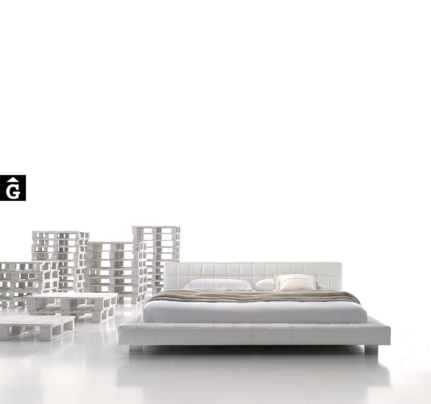 Llit entapissat blanc Wood MORADILLO BY MOBLES GIFREU BEDS LLIT TAPISSAT RECTA PETIT CAPITONÉ GIRONA