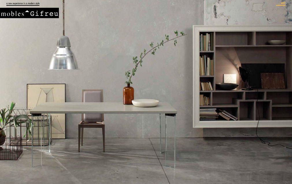 Smart-taula roure massis envellit i pintat permet infinitat de mides i acabats de fusta.