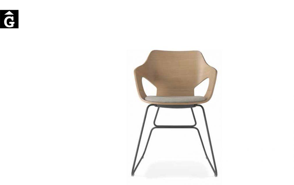 Cadira Olé potes metall seient coixí braços fusta Loyra muebles by mobles Gifreu Idees per la llar moble de qualitat