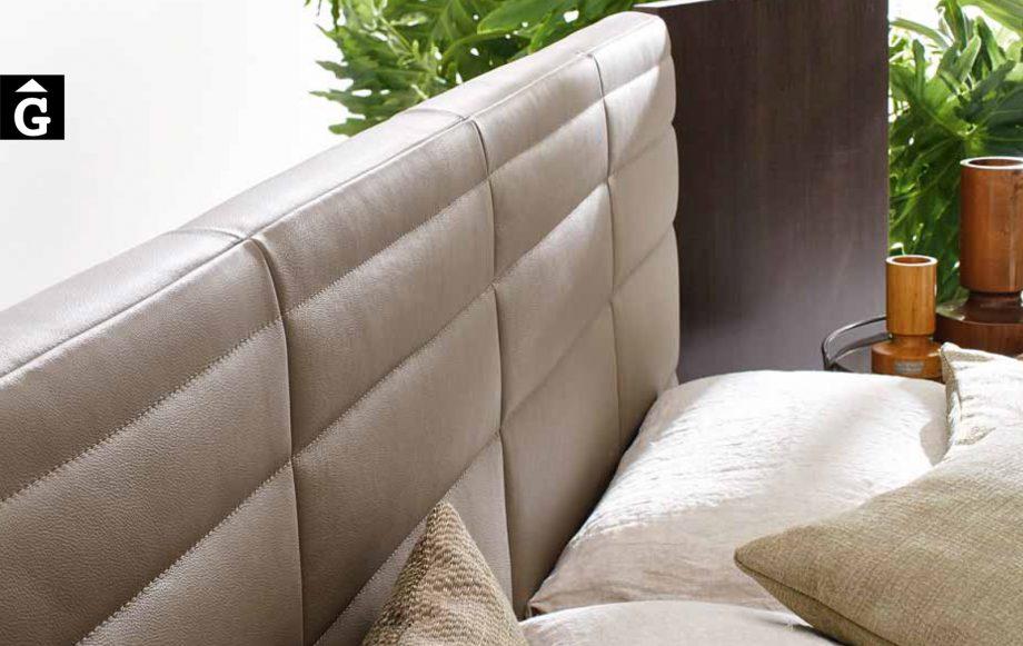34 0 Grandangolo detall capçal entapissat - Ditre Italia llits entapissats disseny i qualitat alta by mobles Gifreu