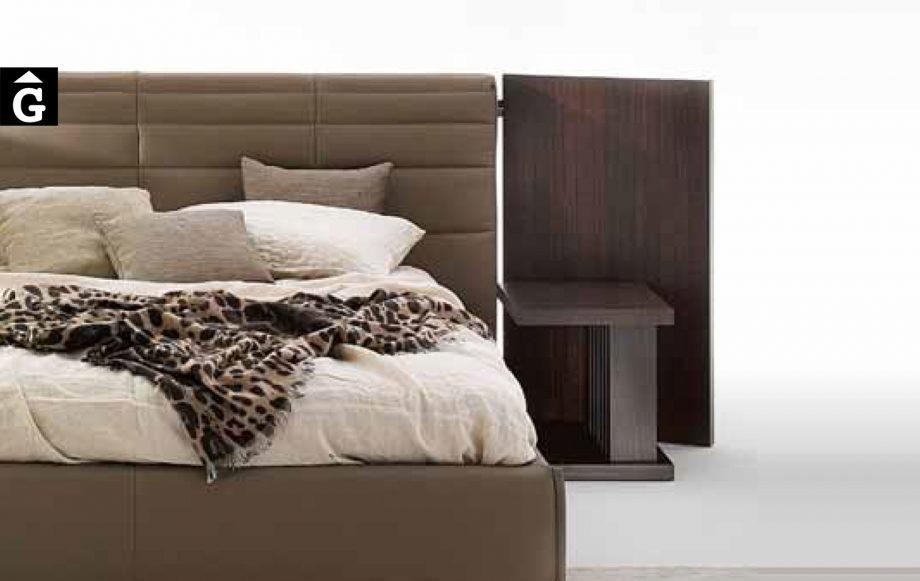 35 2 Grandanlogo amb panels laterals detall - Ditre Italia llits entapissats disseny i qualitat alta by mobles Gifreu