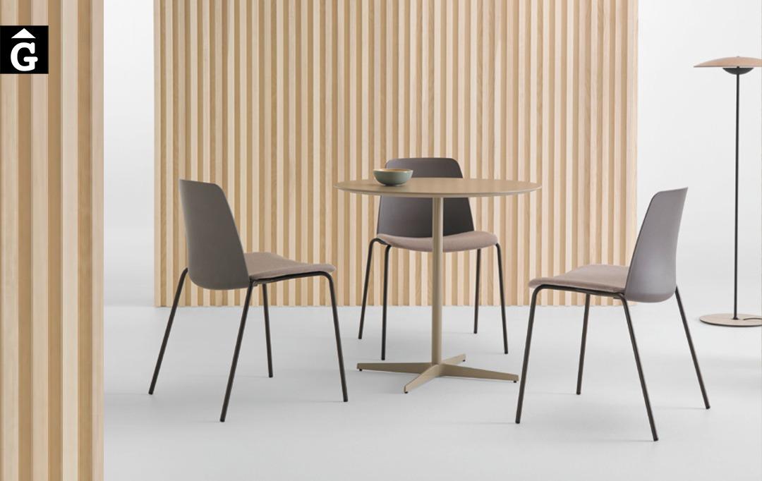 Cadira 4potes metall Unnia Inclass mobles Gifreu