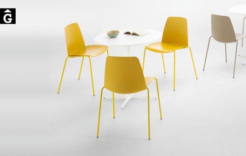 Cadira groga Unnia Inclass mobles Gifreu