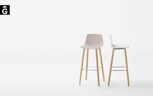 Tamborets Varya potes roure massís Inclass cadires tamborets i taules | mobles Gifreu
