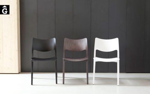 Cadira Laclásica fusta Freixa Stua selecció mobles Gifreu Girona