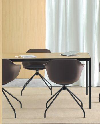 Cadira Taia peu central metall | Inclass cadires tamborets i taules | mobles Gifreu