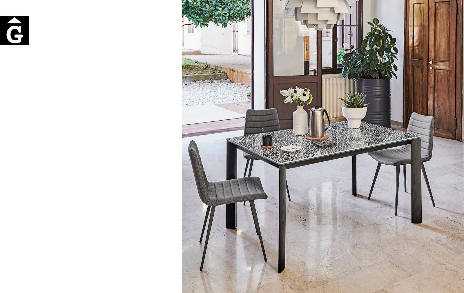 Taula gran molt extensible Blade | Taula ideal per cuina i menjador | MIDJ |Taules i cadires de disseny actual | modern i conservador| casual i elegant | mobles Gifreu | Productes de qualitat