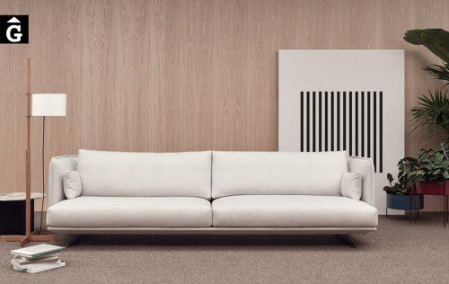 Sofà Joquer Serene pota metall | Vista frontal | Joquer | Sofàs a mida | grans | llargs | Moderns | Modulars | per la teva llar | Comprar sofà | mobles Gifreu | Botiga | Distribuïdor Girona