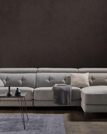 Sofà chaise longue relax elèctric Claudia | Opció doble motor | Capçal i Peus | Bobbio | Sofàs a mida | grans | llargs | Moderns | Modulars | Per a casa | Comprar sofà | mobles Gifreu | Botiga | Distribuïdor Girona