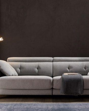 Sofà petit relax motor elèctric Claudia | Bobbio | Sofàs a mida | grans | llargs | Moderns | Modulars | Per a casa | Comprar sofà | mobles Gifreu | Botiga | Distribuïdor Girona