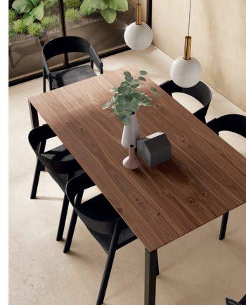 Taula Top sobre noguera potes metall | ViVe muebles Verge programa taula menjador oficina estudi living by mobles Gifreu