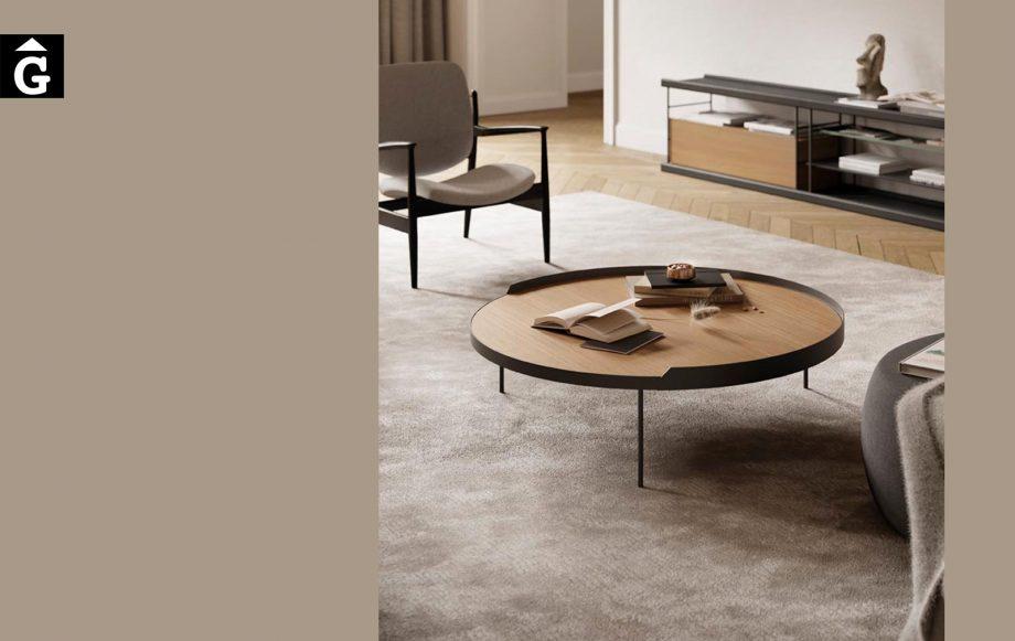 Taula de centre rodona amb copete Gau | Taules de centre rodones Gau dissenyades a quatre mans per Silvia Ceñal e Ibon Arrizabalaga | Treku | mobles contemporanis amb tradició | mobles Gifreu